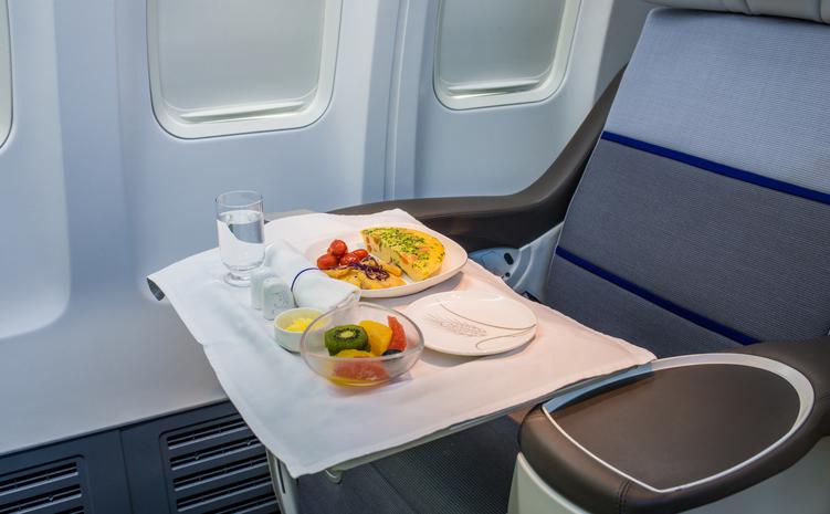 飞行中,也不能放过舌尖上的美味