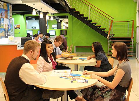 Sekolah EF English First untuk Anak & Remaja